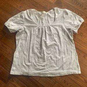 (3/$20) Laura Plus white and grey floral printed bell cap sleeve tshirt